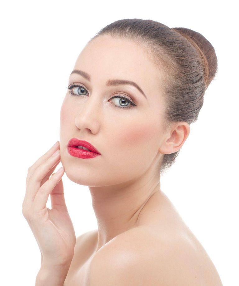 Il lifting del volto non chirurgico permette di ottenere un viso sempre giovane